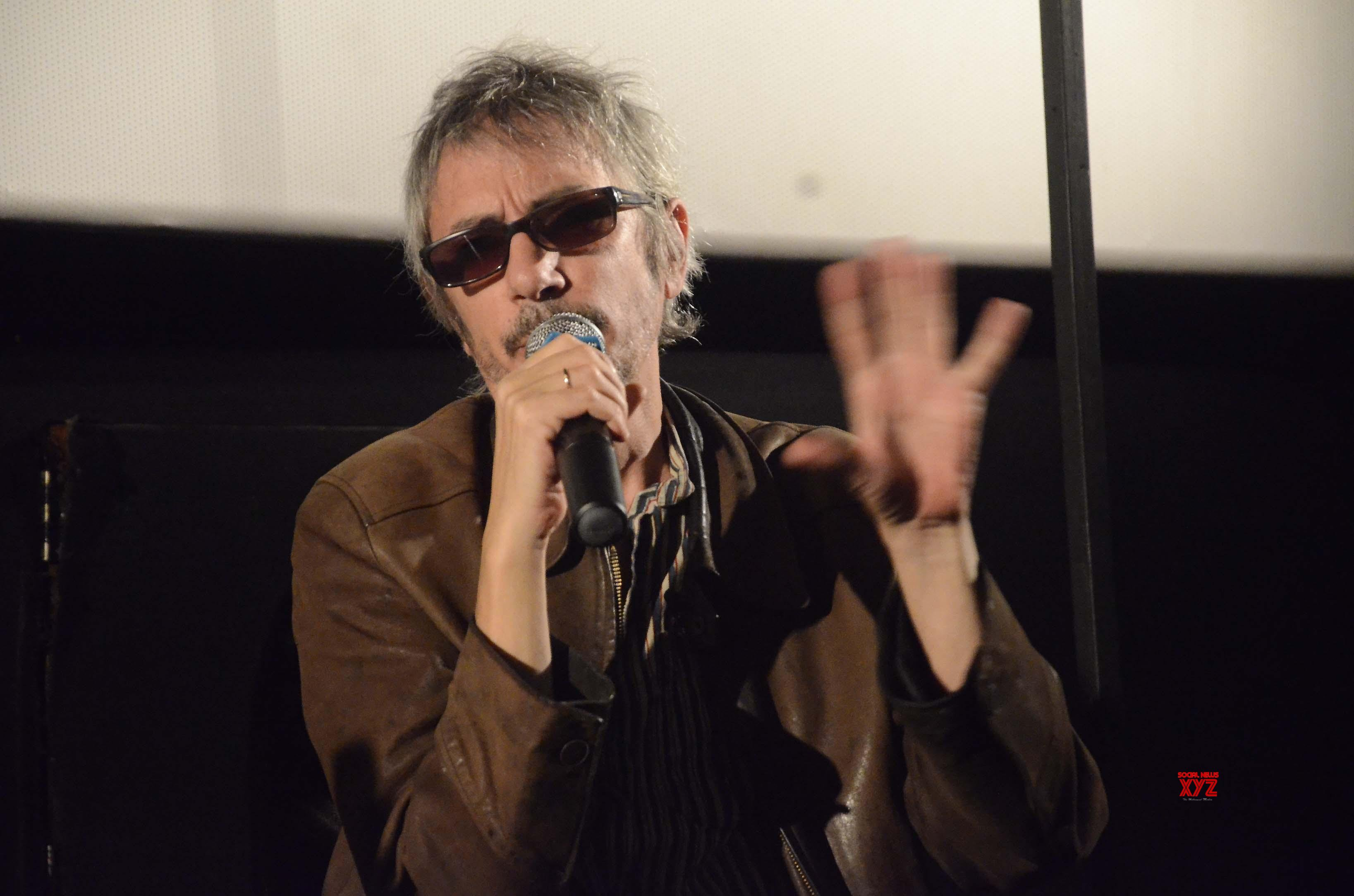 Director Leos Carax revives 'Annette'