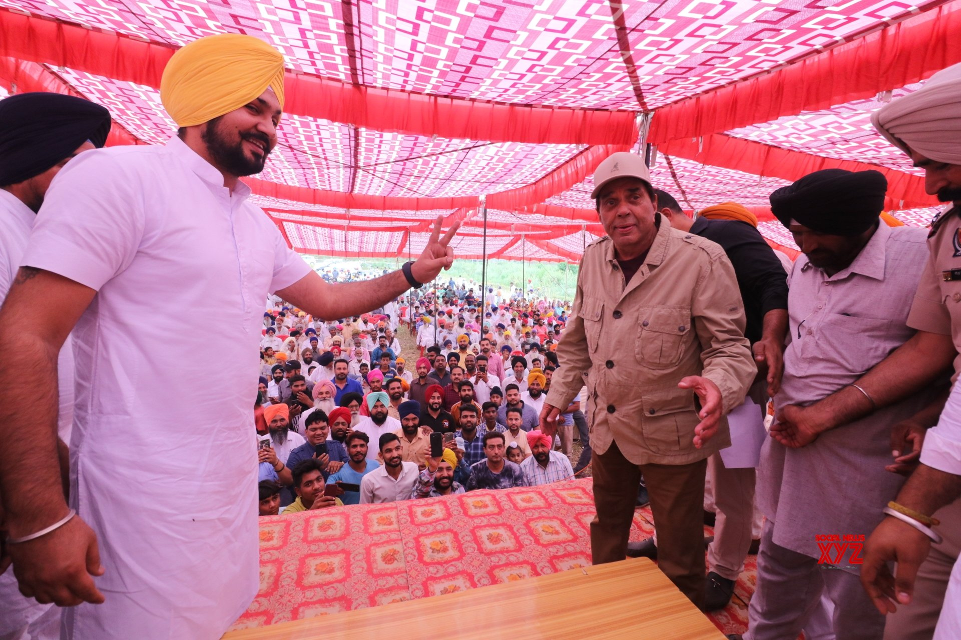 Gurdaspur: Dharmendra campaigns for son Sunny #Gallery