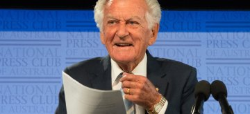 "(171004) -- CANBERRA, Oct. 4, 2017 (Xinhua) -- Former Australian Prime Minister Bob Hawke speaks during an event launching Former Australian Foreign Minister Gareth Evans' new book ""Incorrigible Optimist"" at the National Press Club in Canberra, Australia, on Oct. 4, 2017. Gareth Evans, who served as Australia's foreign minister under the Labor government from 1988 to 1996, on Wednesday endorsed the idea that Australia should embrace China's Belt and Road Intitiative in developing its north. (Xinhua/Xu Haijing) (zcc)"