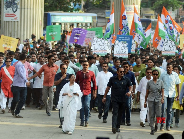Fear of BJP's rise many propel Bengal minorities to vote for Mamata