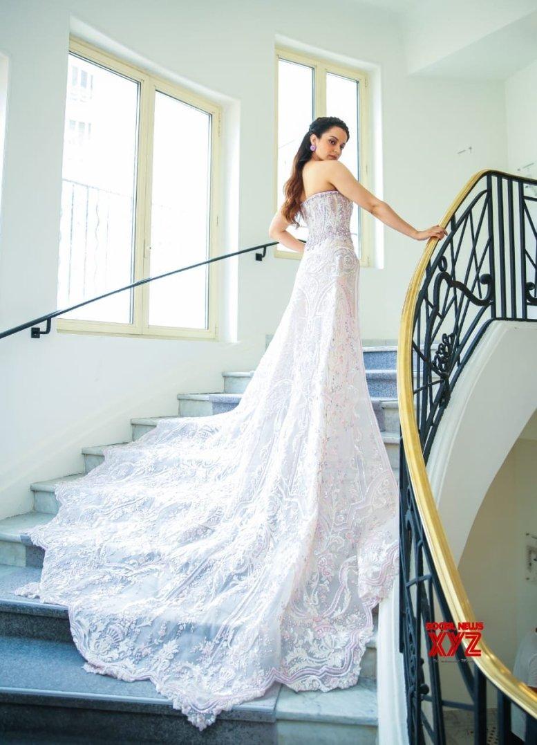 Kangana flaunts princess-like look at Cannes red carpet