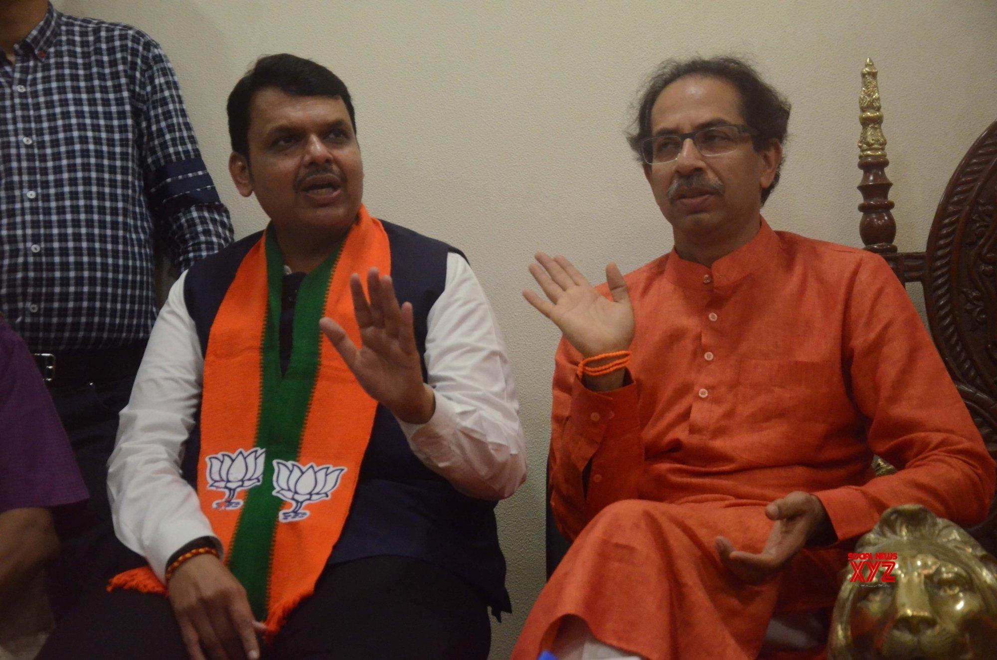 Rebels keep parties on tenterhooks in Maharashtra
