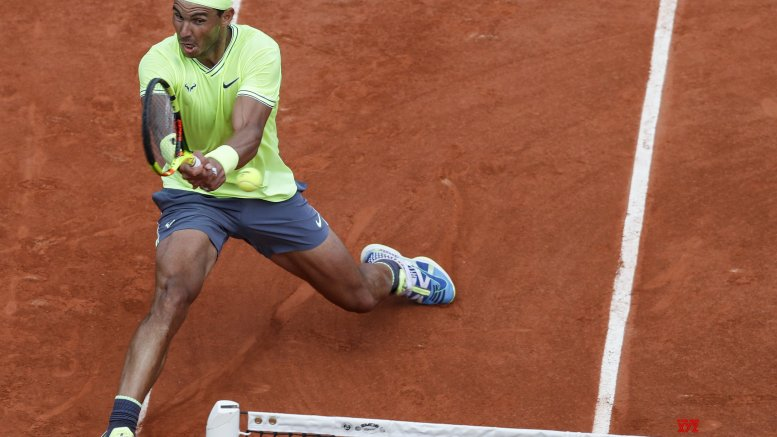 Nadal reaches French Open's 3rd round