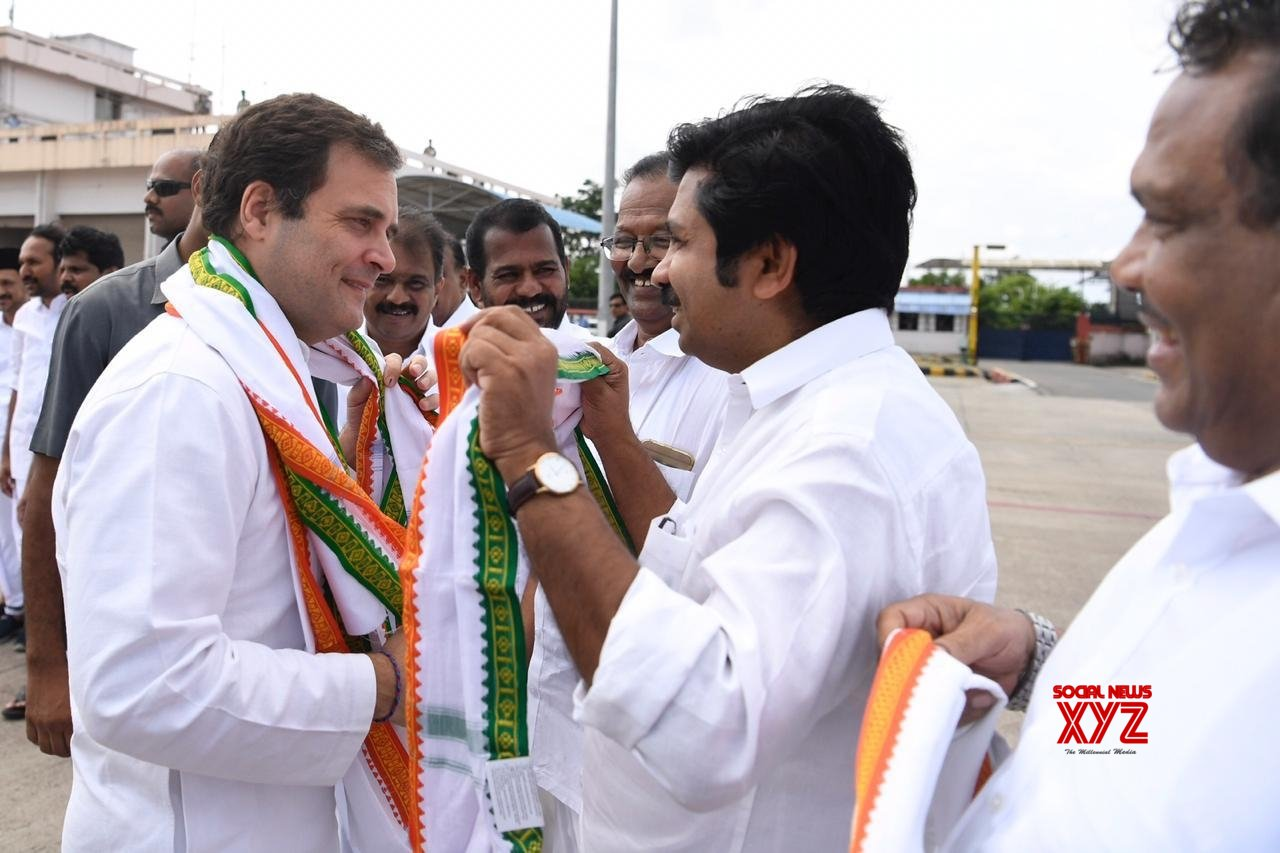 People brave heavy rain as they welcome Rahul to Wayanad