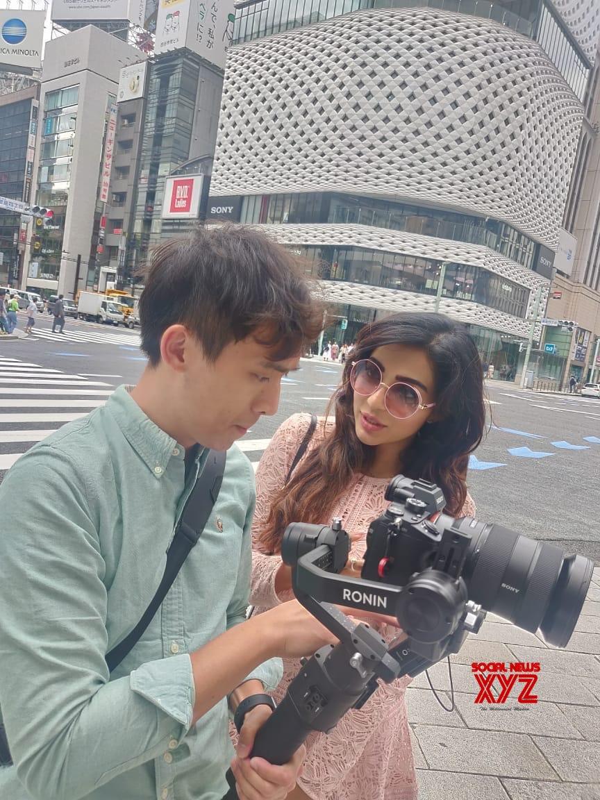 Actress Parvatii Nair Japan Shooting Stills