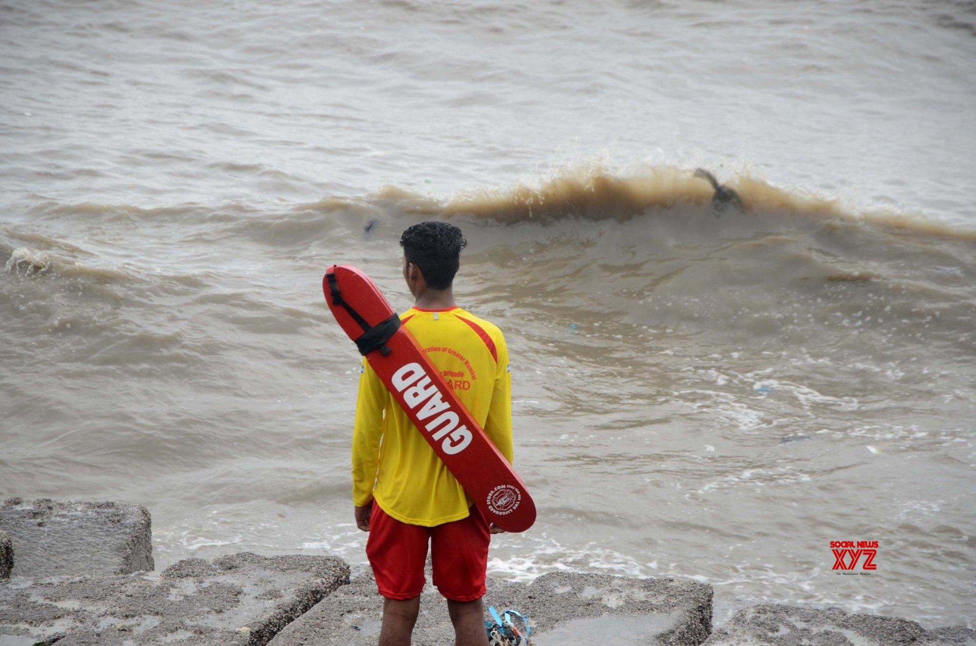 Mumbai: Cyclone Vayu - Life guard on duty #Gallery
