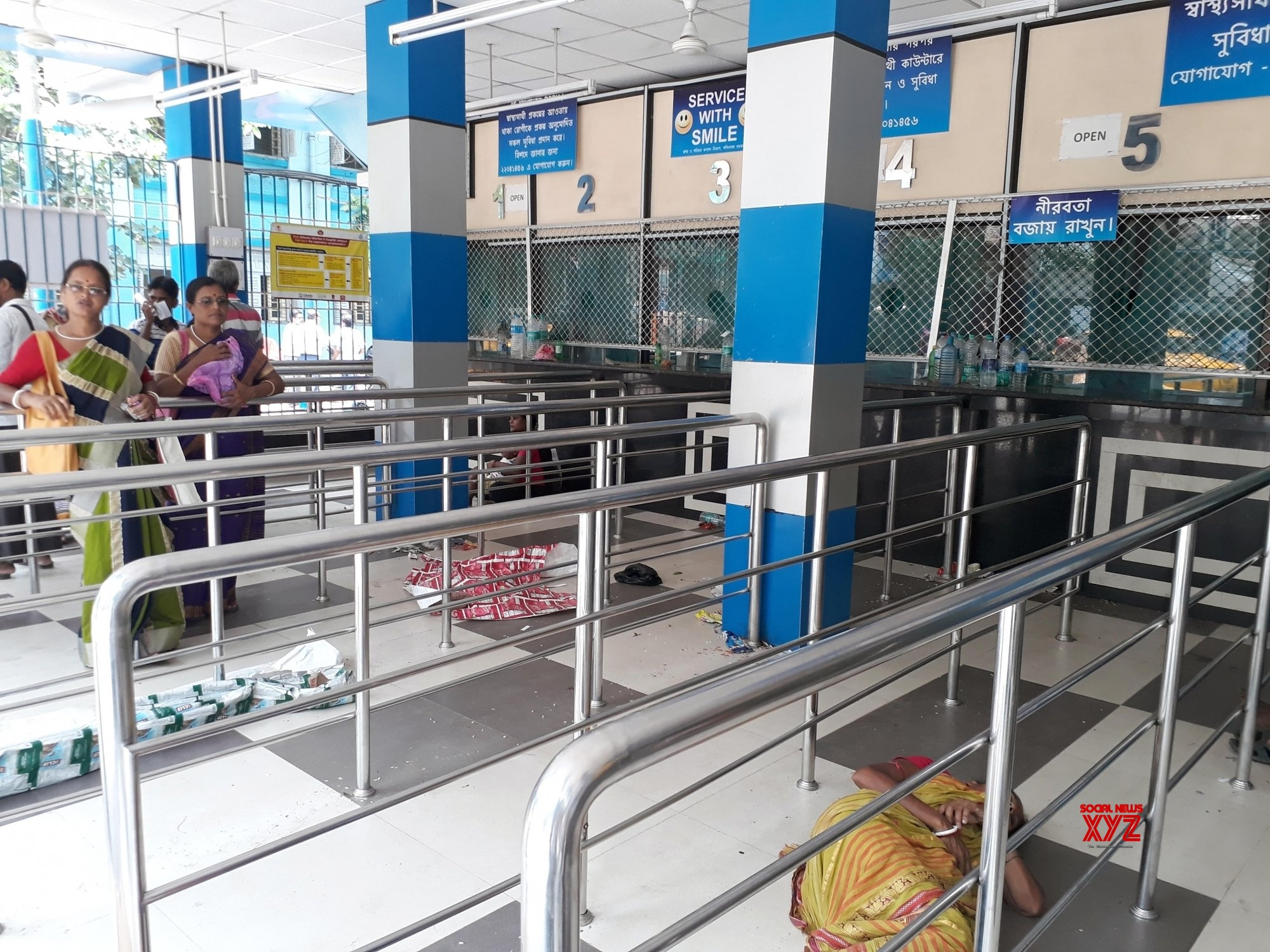 Kolkata: Junior doctors at SSKM continue strike, patients suffer #Gallery