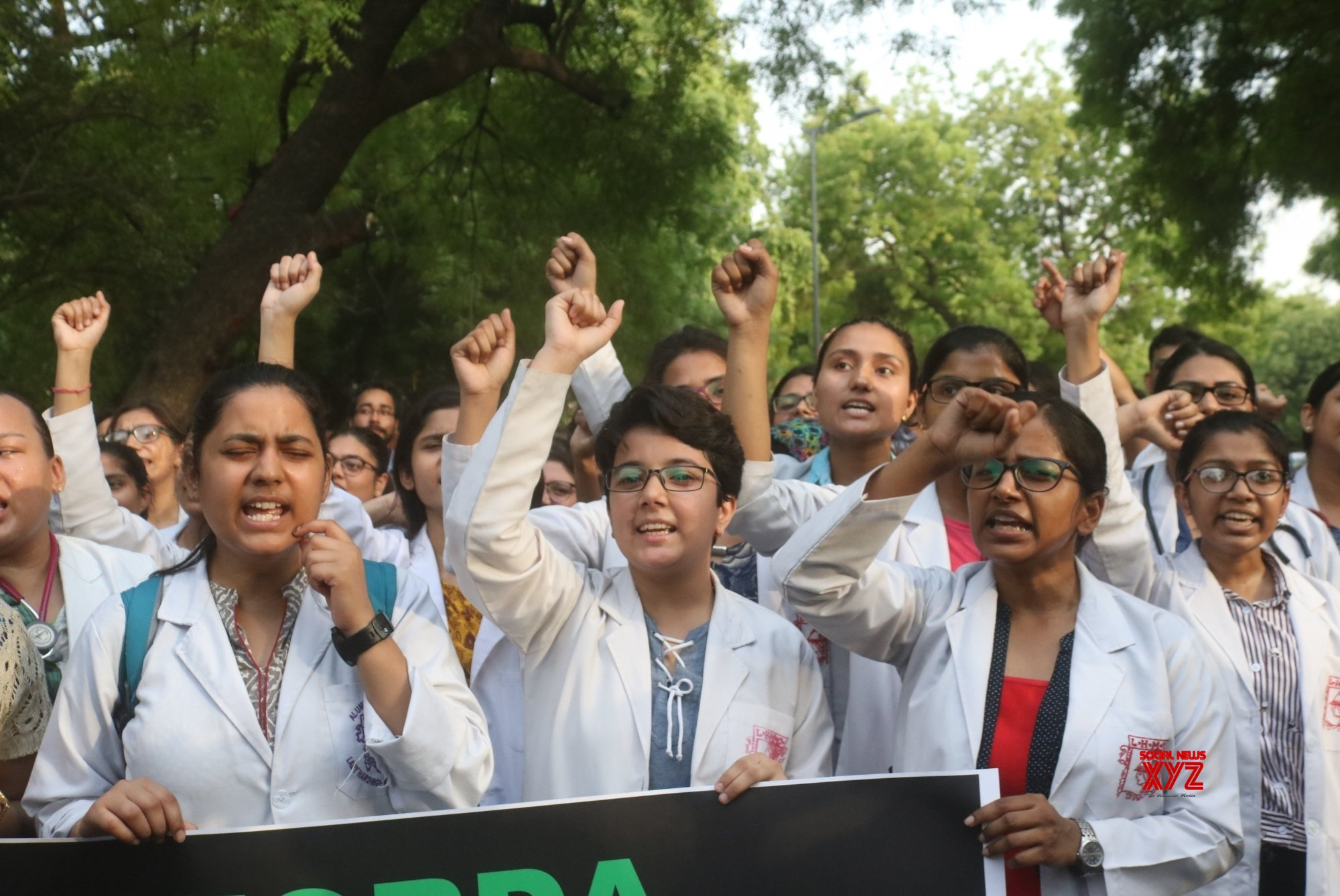 New Delhi: Medical students' protest against attack on doctors in Kolkata #Gallery