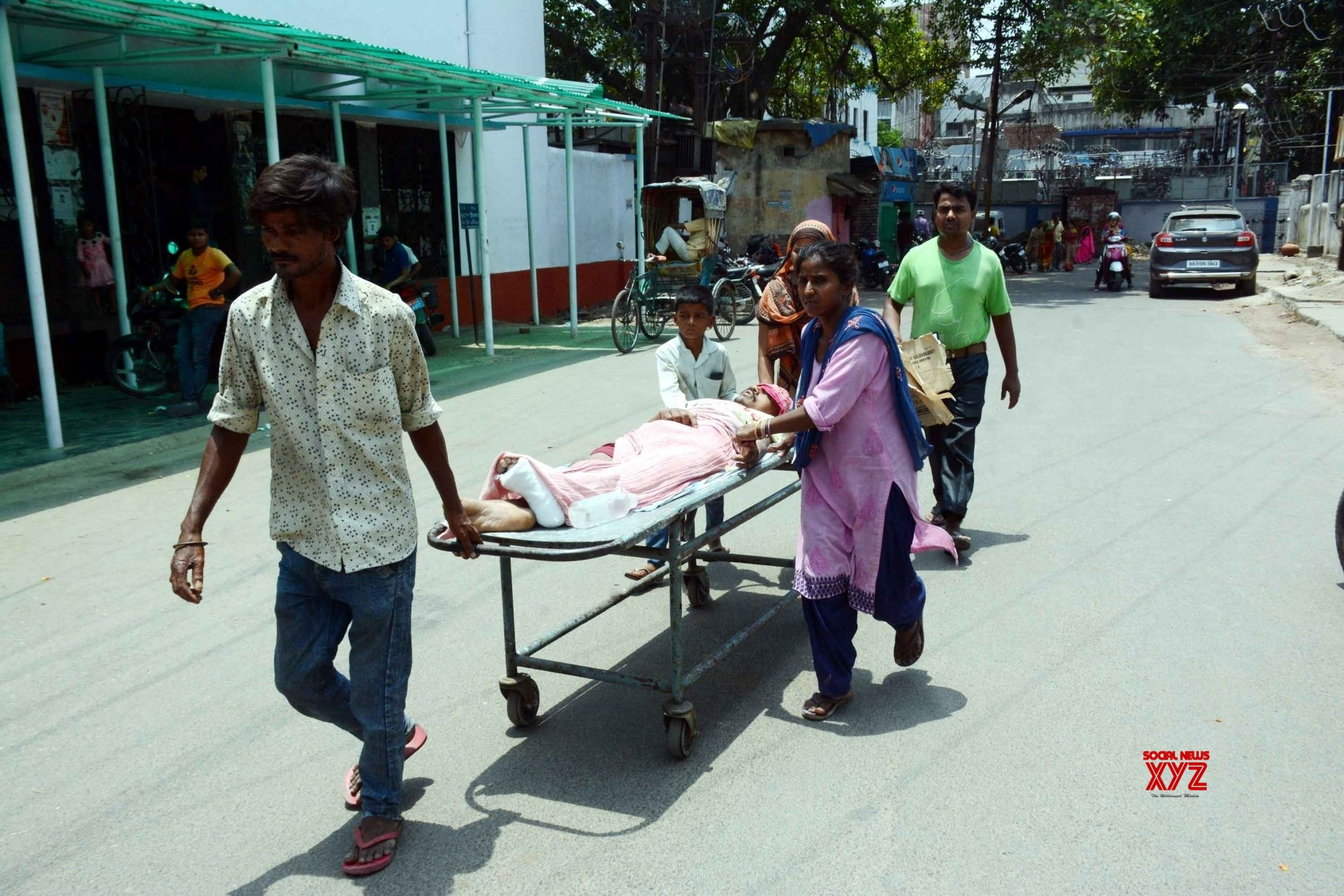 Patna: Doctors at PMCH on strike, patients left unattended #Gallery
