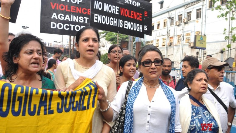 Celebrities join docs in Kolkata rally demanding dialogue