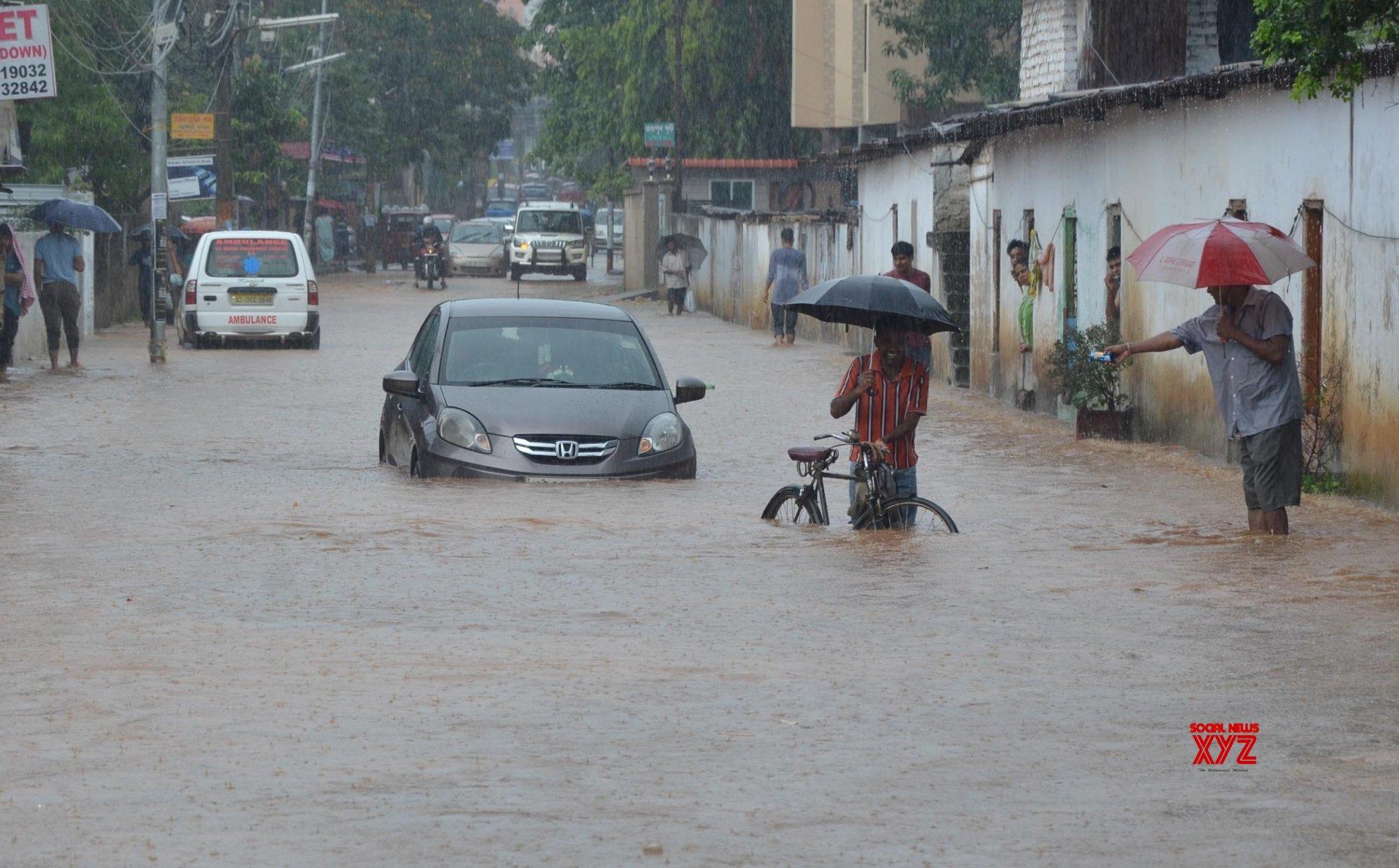 Guwahati: Waterlogged streets #Gallery