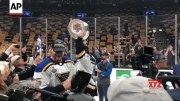 Blues' hometown hero Maroon celebrates with family  (Video)