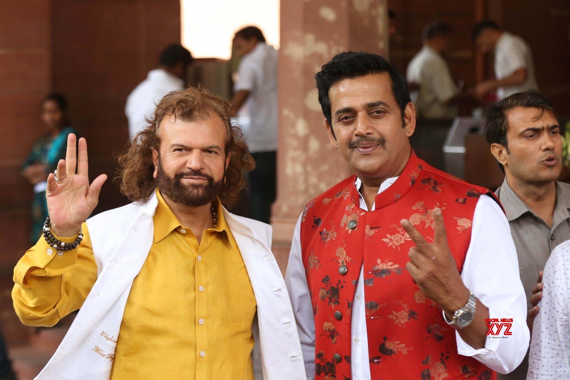 New Delhi: Parliament - Ravi Kishan, Hans Raj Hans #Gallery