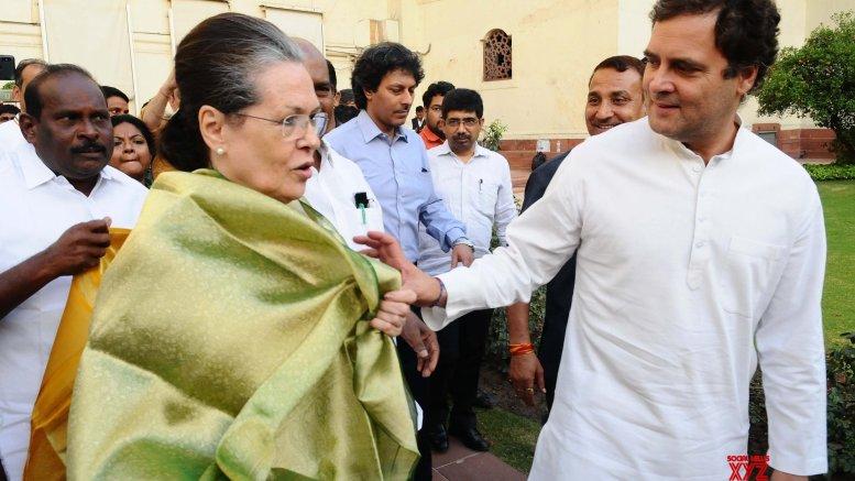 Sonia, Rahul protest in Parliament on Goa, Karnataka