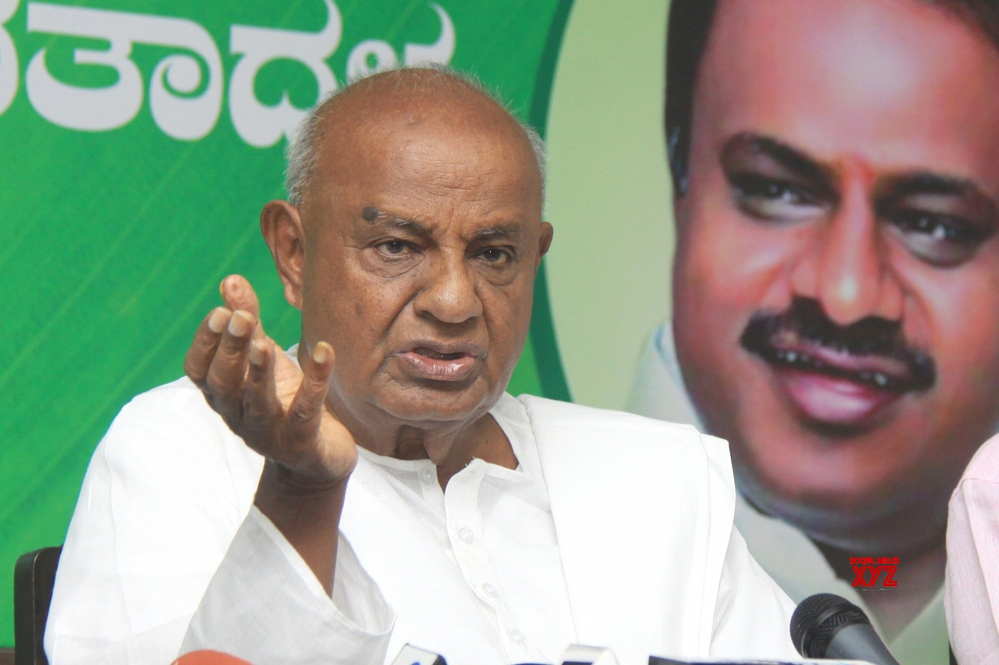Deve Gowda denies saying mid-term polls in Karnataka soon