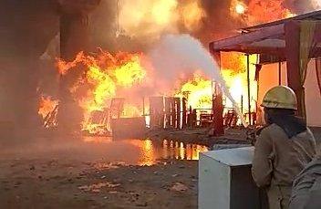 Fire affects Delhi Metro, thousands hit