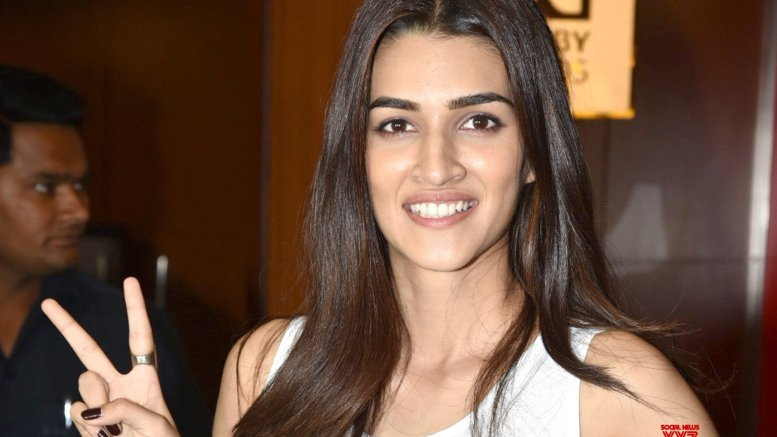 Kriti Sanon calls Varun Dhawan a 'liar'