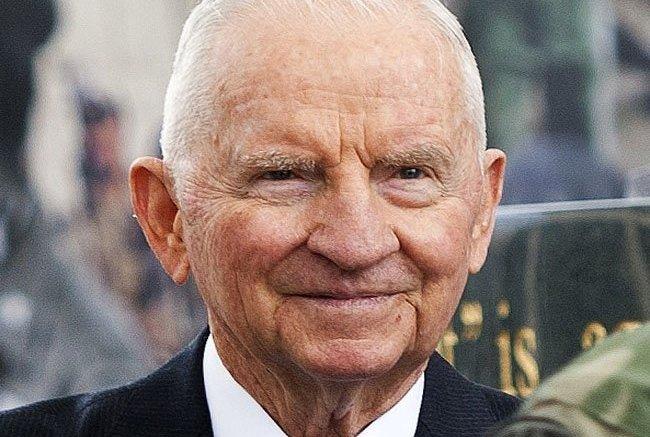 Maverick billionaire Ross Perot dies at 89