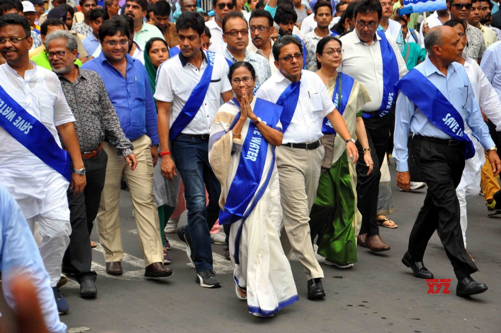 Mamata marches on Kolkata streets to spread awareness about water conservation