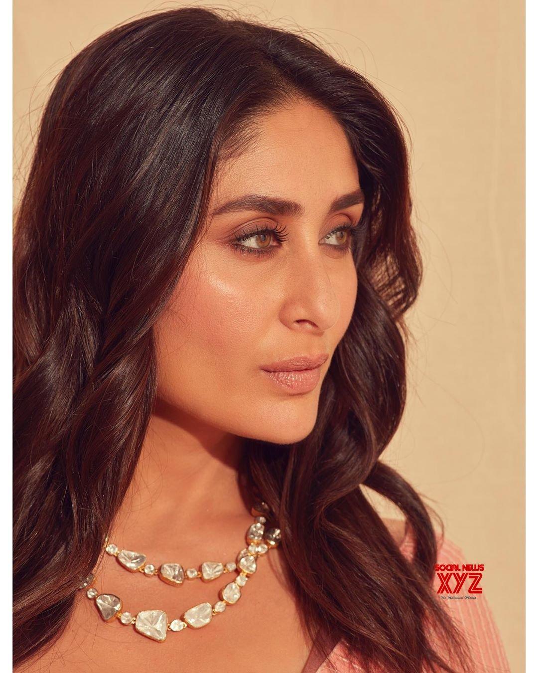 Actress Kareena Kapoor Khan Hot Saree Stills Styled By ...
