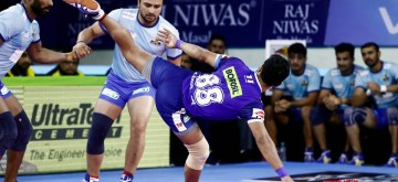 Patna: Players in action during a Pro Kabaddi Season 7 match between Haryana Steelers and Tamil Thalaivas at Patliputra Sports Complex in Patna on Aug 4, 2019. (Photo: IANS)