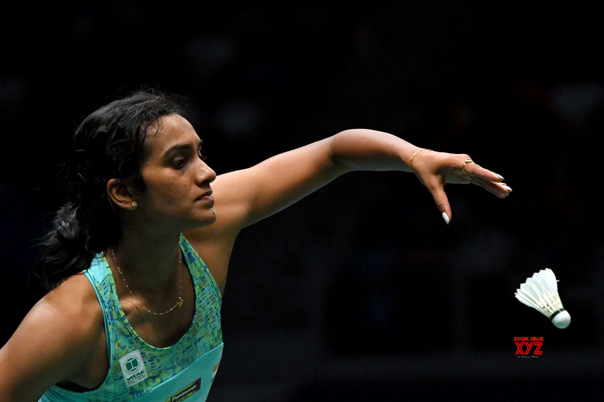 Hong Kong Open: Sindhu crashes out, Srikanth in quarters