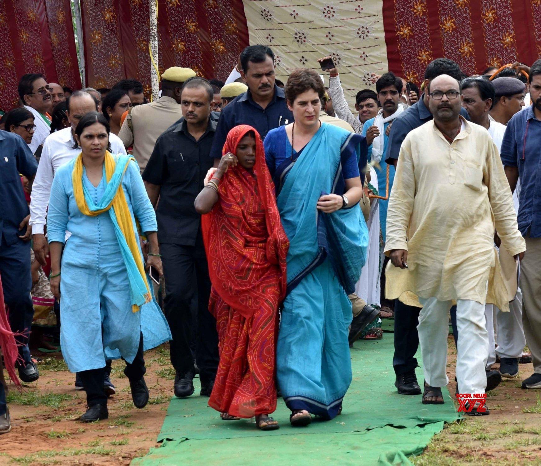 Sonebhadra: Priyanka meets victims of Sonebhadra violence #Gallery
