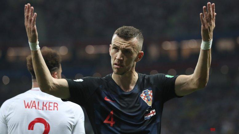 Bayern sign winger Perisic on loan