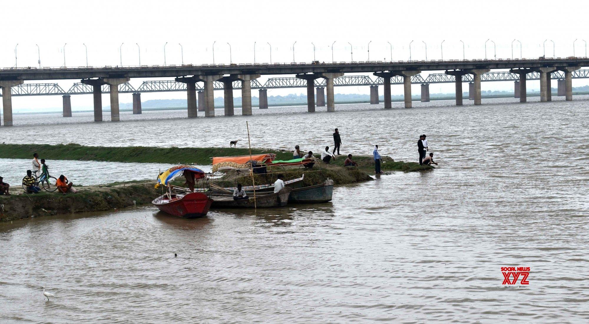 Prayagraj: River Ganga continues to swell following heavy rains #Gallery