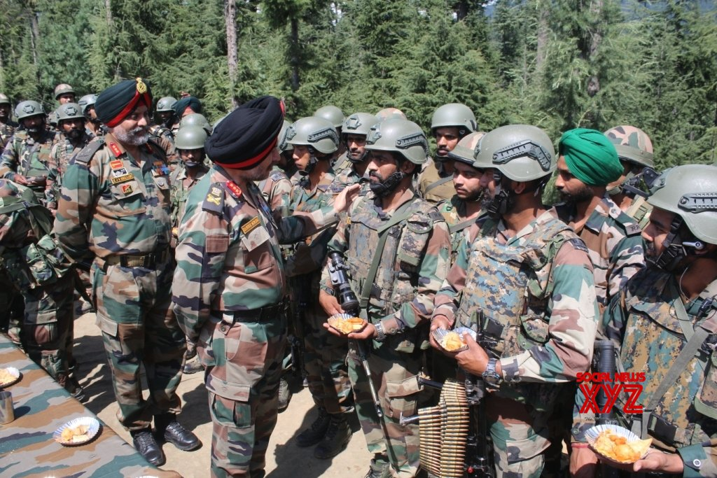 Kupwara: Independence Day - Northern Army Commander, Chinar Corps Commander visit Valley #Gallery