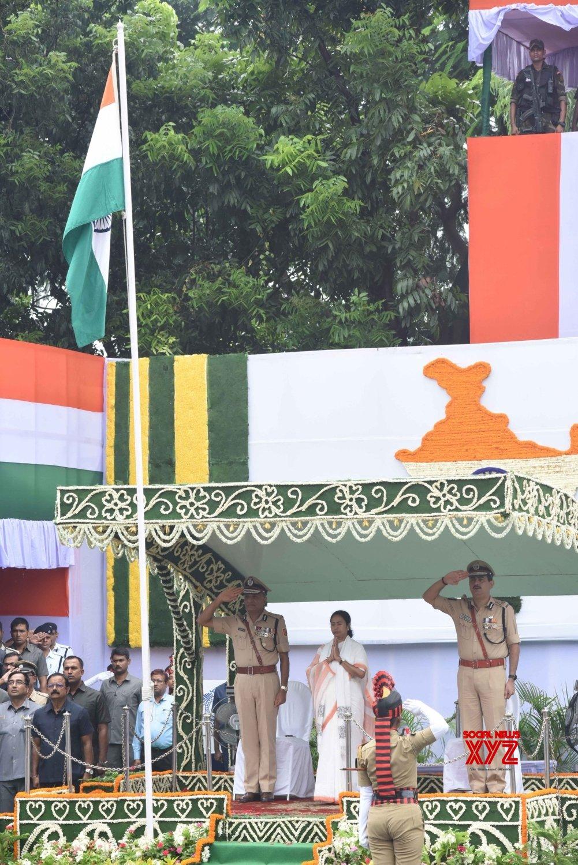Kolkata: Independence Day - Mamata Banerjee hoists national flag #Gallery