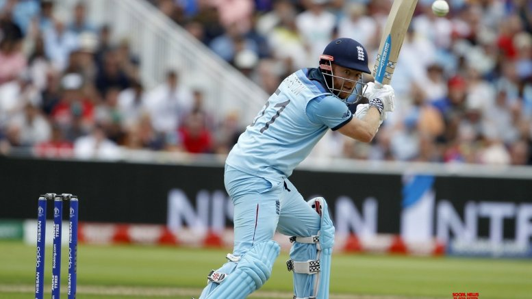 Ashes: Burns, Bairstow score fifties as England bowled out for 258