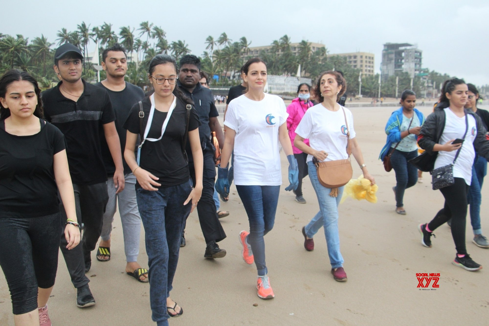 Clean up drive - Dia Mirza #Gallery