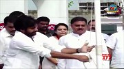 Pawan Kalyan Hoists National Flag At Party Office In Mangalagiri  [HD] (Video)