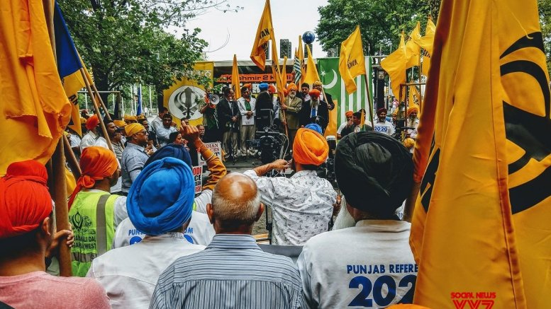 Pro-Khalistan Sikhs hold protest with Pakistanis outside UN on Kashmir