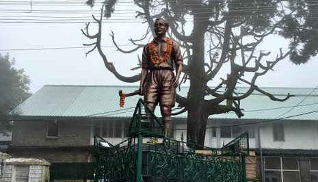 Politicians, sports fraternity pay tribute to Dhyan Chand