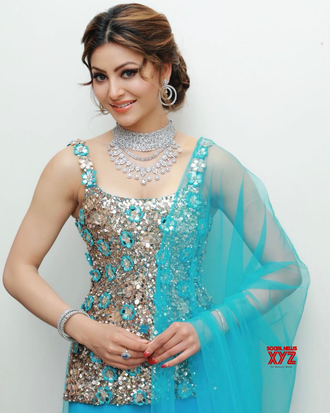 Actress Urvashi Rautela beautiful new stills