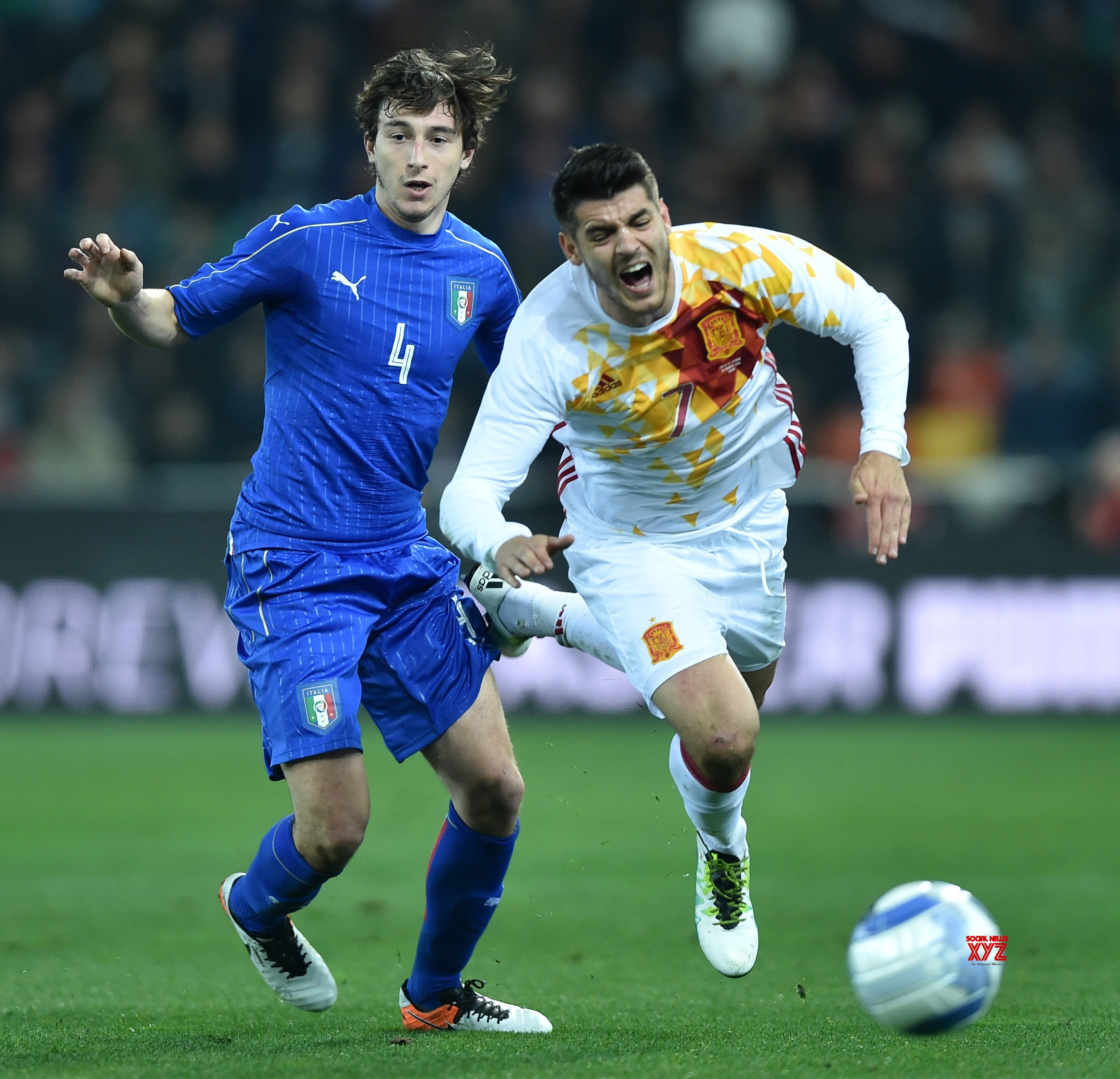 United's Darmian joins Parma on a four-year deal