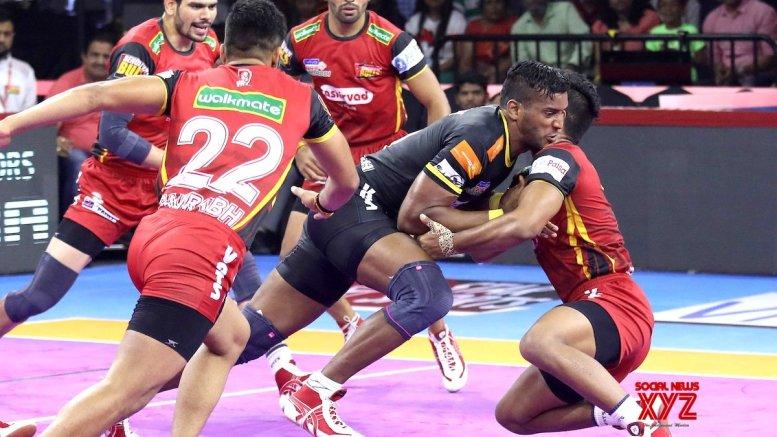 PKL 7: Bengaluru Bulls ride Pawan show to beat Telugu Titans 40-39