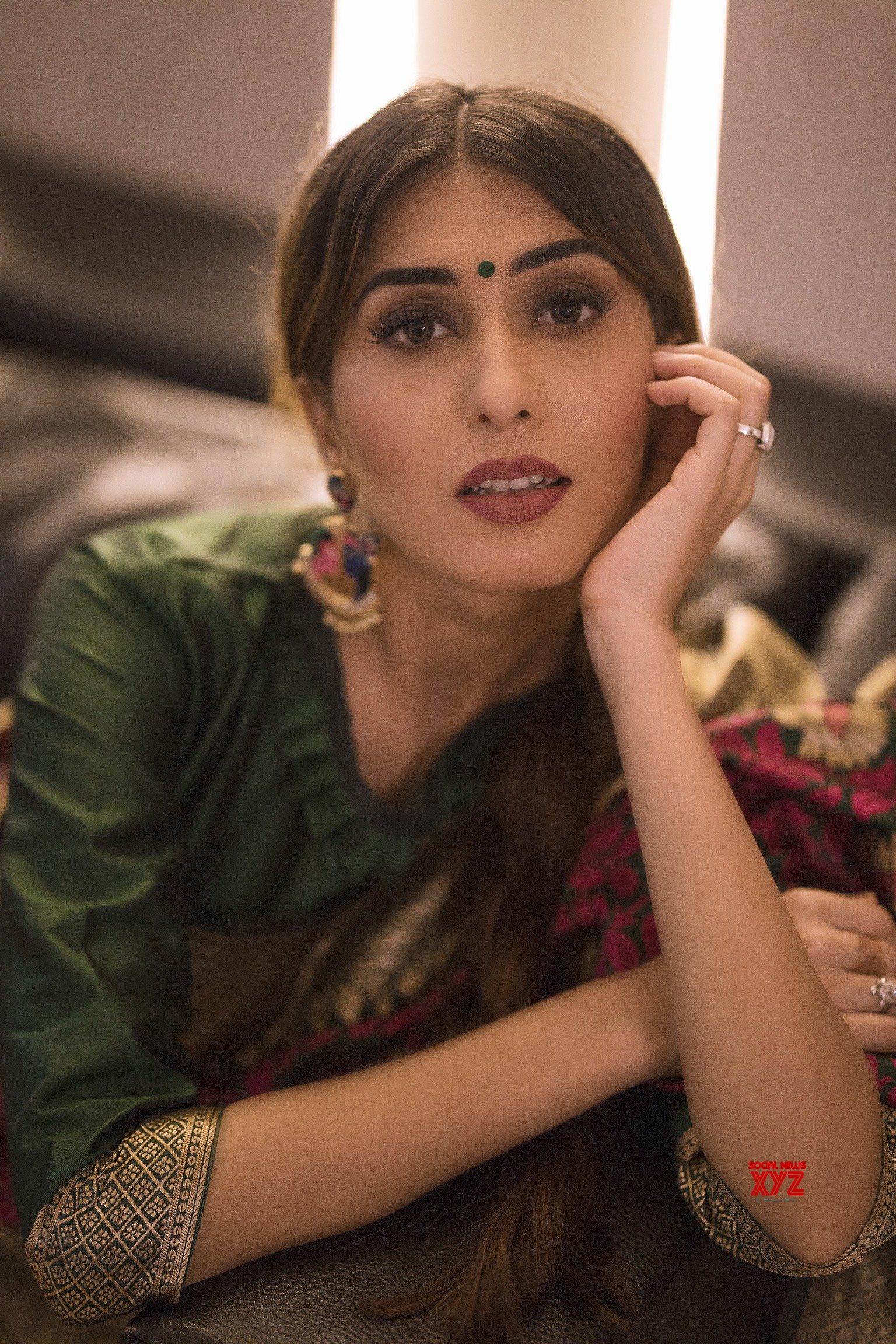 Actress Ruma Sharma's Glam Stills From A Saree Photo Shoot For Yadu Nandan Fashions