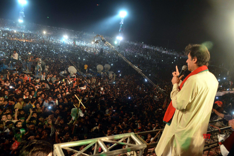 Imran to address Kashmir 'solidarity' rally in PoK