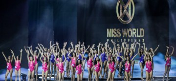 QUEZON CITY, September 16, 2019 (Xinhua) -- Contestants pose in their swimwear during the Miss World Philippines 2019 coronation night in Quezon City, the Philippines, September 16, 2019. Forty candidates from all over the Philippines vied for various crowns in the Miss World Philippines, with winners bound to compete in beauty pageants overseas. (Xinhua/Rouelle Umali) 马尼拉分社记者夏鹏二零一九年九月十六日审