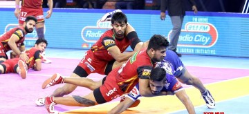 Panchkula: Players in action during Pro Kabaddi Season 7 match between Haryana Steelers and Bengaluru Bulls at Tau Devilal Sports Complex in Panchkula, Haryana on Oct 2, 2019. (Photo: IANS)
