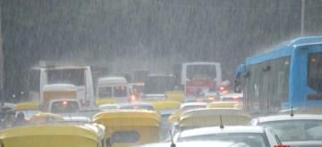 Bengaluru: Rains lash Bengaluru on Oct 4, 2019. (Photo: IANS)