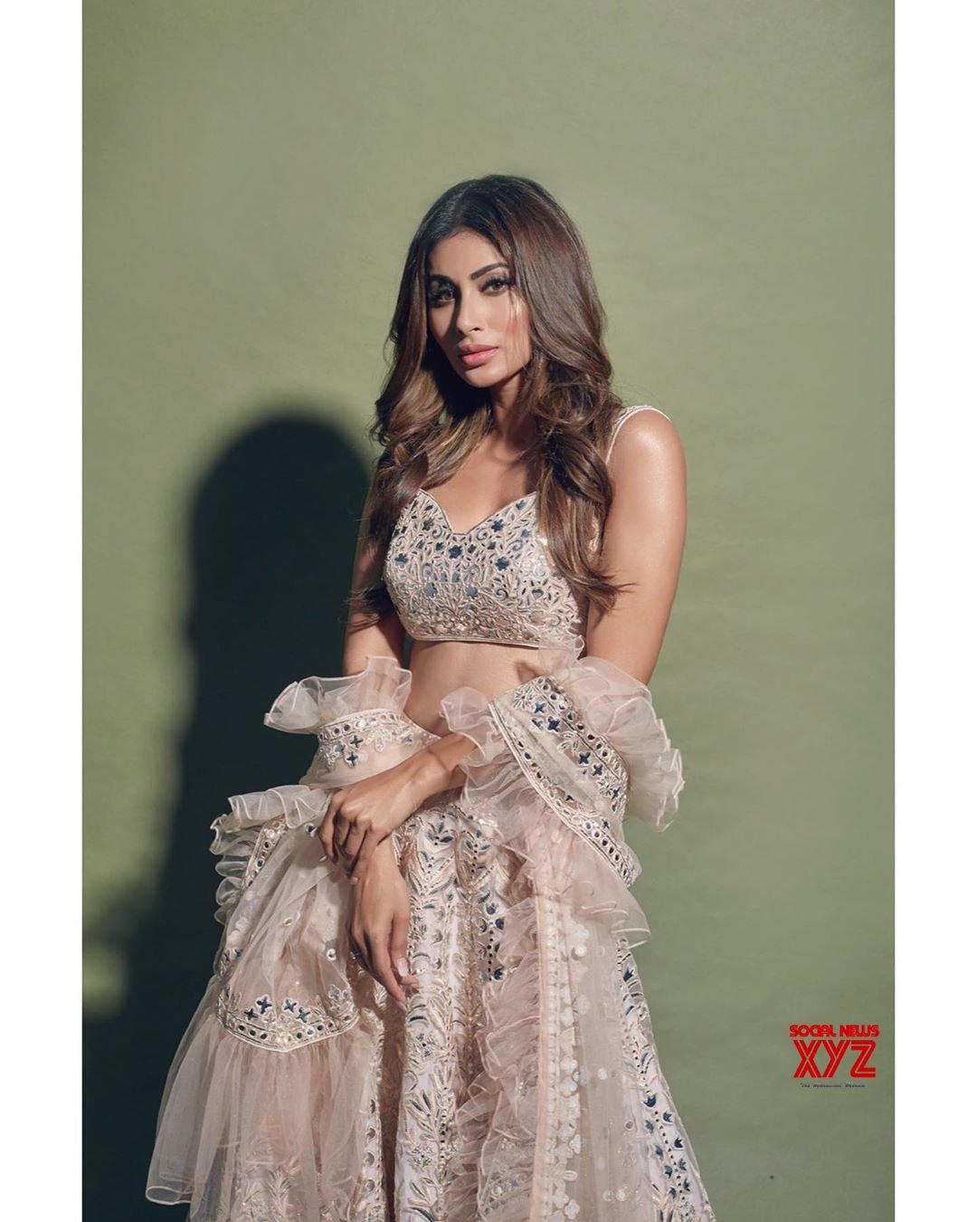 Actress Mouni Roy Glam Stills In Tamanna Punjabi Kapoor Design