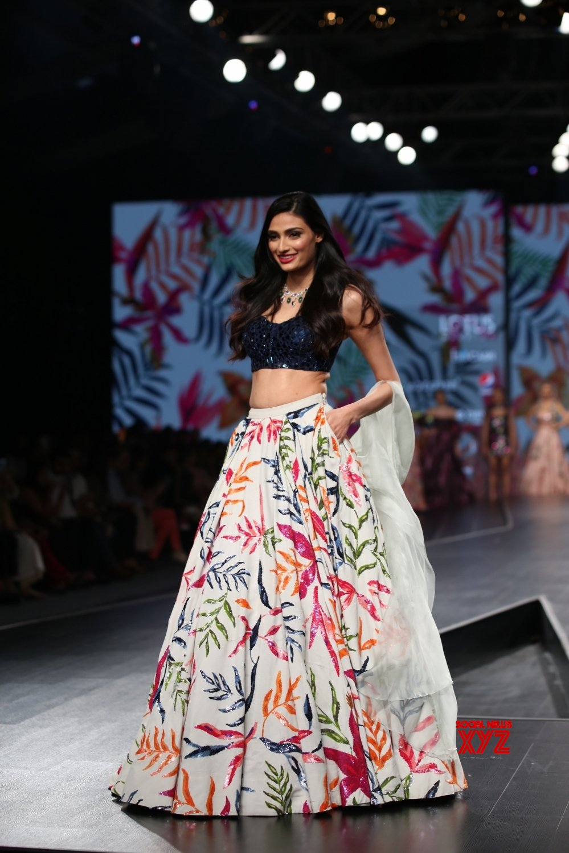 New Delhi: Lotus Make - up India Fashion Week - Mahima Mahajan's creations showcased on Day 3 #Gallery