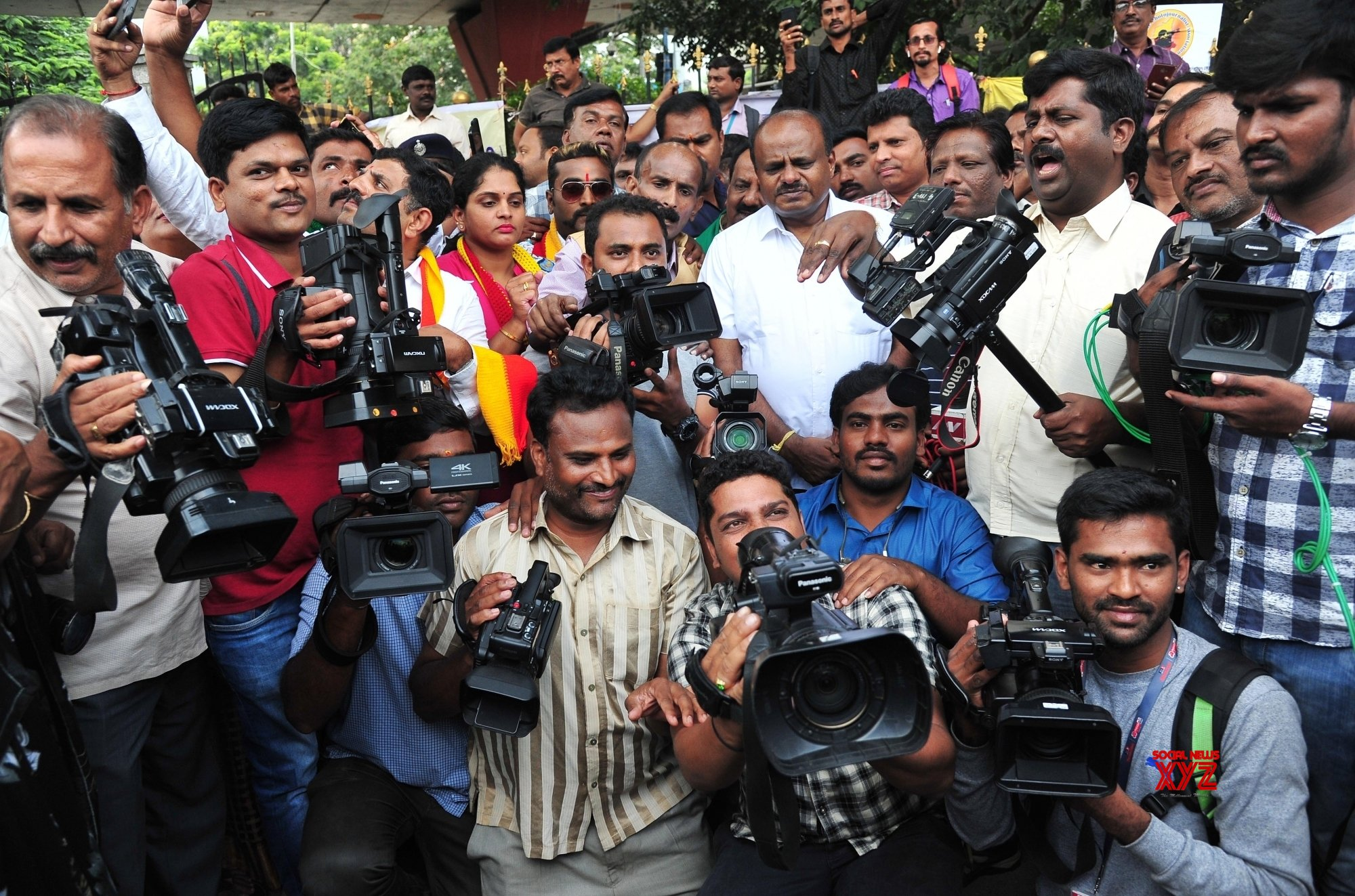 Bengaluru: Protest against ban on camera persons from covering Karnataka assembly sessions #Gallery