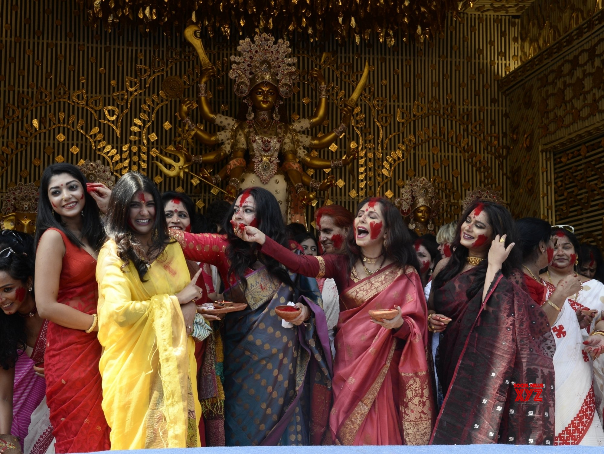 Kolkata: 'Sindur Khela' celebrations at Chaltabagan #Gallery