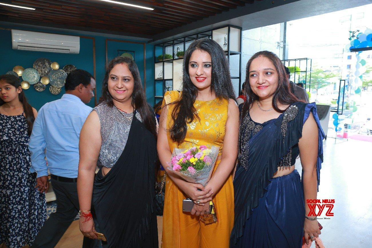 Actress Nikita Launches Sleepwell World Retail Showroom At Gachibowli - Gallery