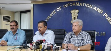 New Delhi: Delhi Chief Minister Arvind Kejriwal accompanied by Cabinet Minister Kailash Gahlot, addresses a press conference in New Delhi on Oct 12, 2019. (Photo: IANS)